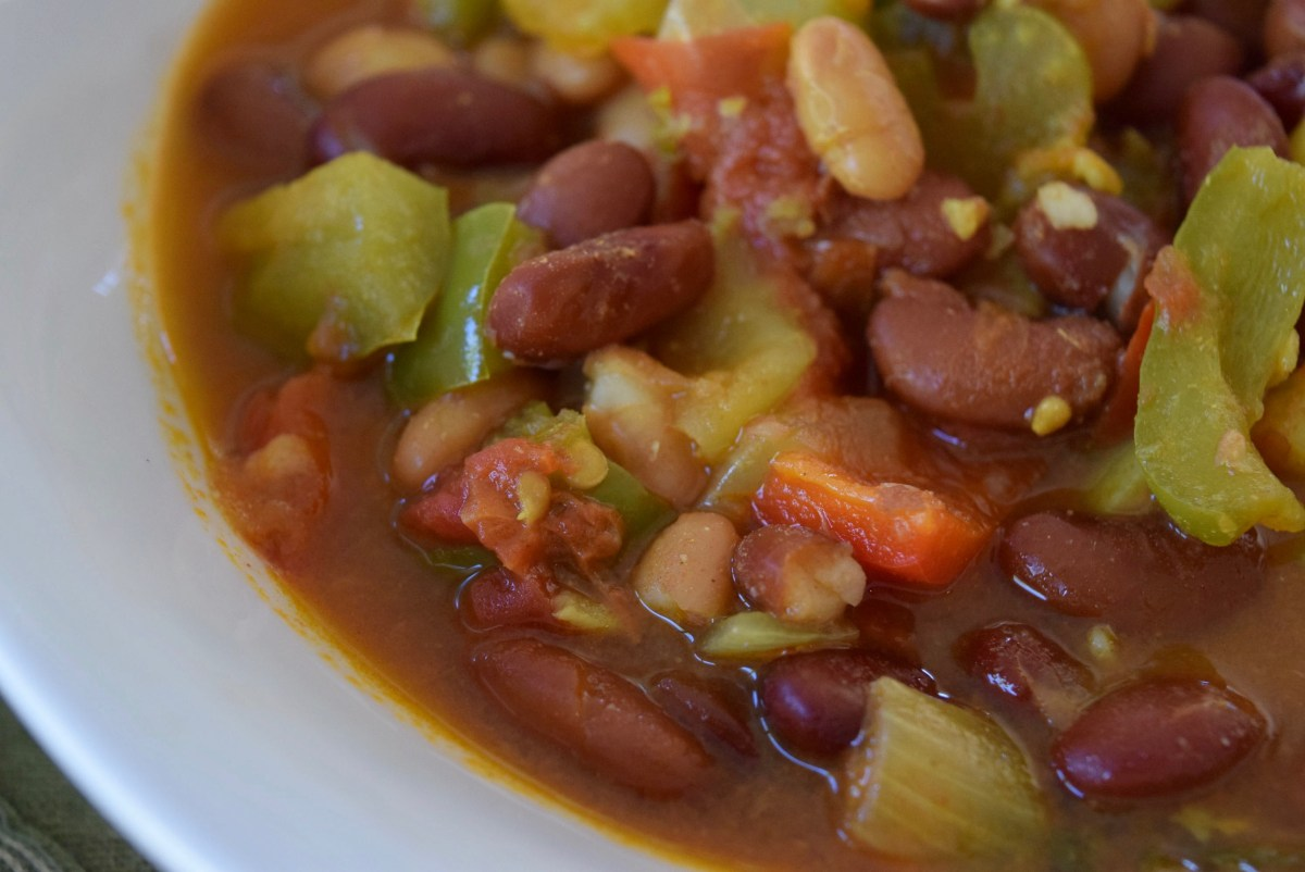 Fresh & Flavorful, Meat-Free, Firehouse Chili (Vegan & Gluten Free)