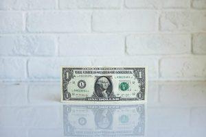 Цената на биткойна и златото ще се повиши след предстоящата глобална финансова криза, казва Макс Кейзер