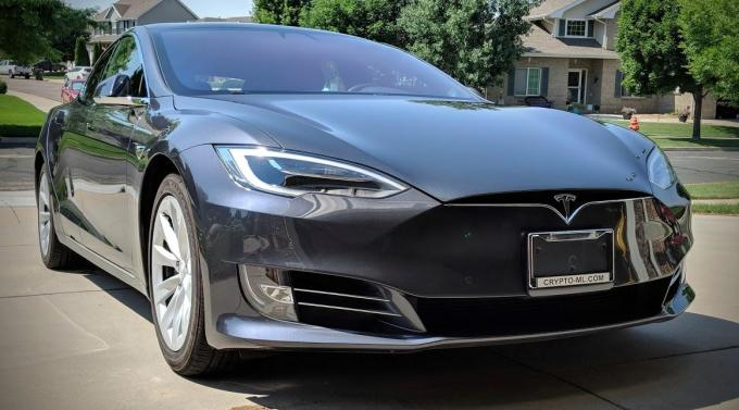 Crypto-ML Tesla Model S 2