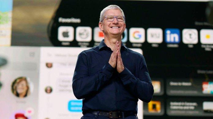 Apple Burns Naysayers as It Beats Down EU and Nails Lockdown