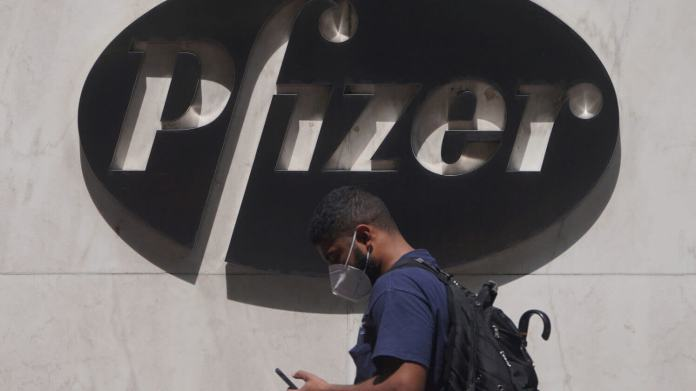 Pfizer Stock Surges as CEO Plans to Earnings From Covid-19 Vaccine