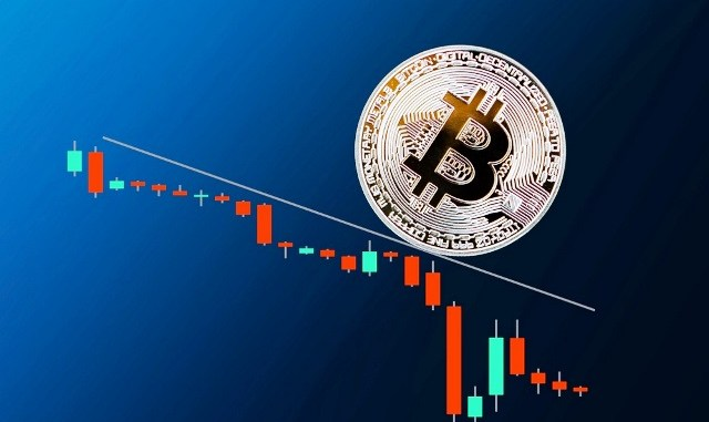 Bitcoin Was Trading At $9,736 Early Monday - Down 4.35 Percent From Its Sunday Top