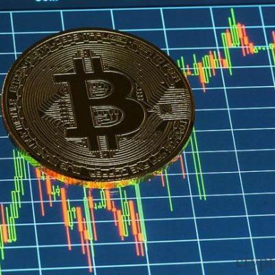 Почему растет или падает курс криптовалют? Какие законы влияют на это?