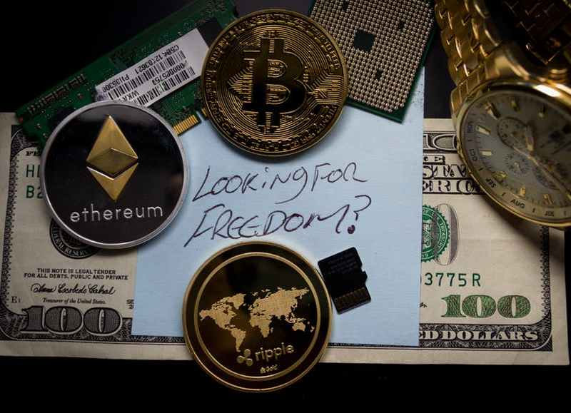 """Early Bitcoin Investor: """"Everybody Should Put Something Into Crypto"""""""