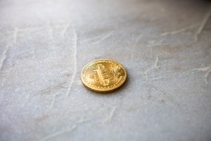 Bitcoin Surges 10% To $3,550, Yet Calvin Ayre Expects BTC To Fall To $0
