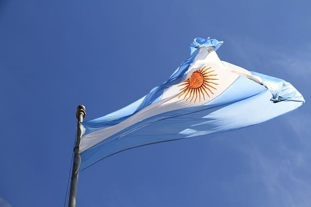 Bitcoin Surges to $12,300 in Argentina Amid Political and Economic Turmoil