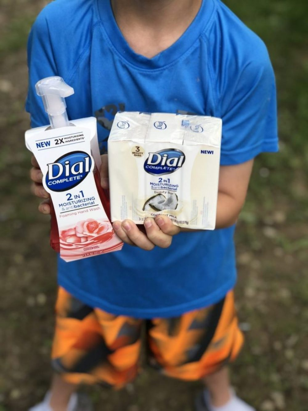 ad Mommy & Me Outdoor Activities Made Simple With NEW! Dial Complete 2 in 1 Moisturizing & Antibacterial Foaming Hand Wash & Beauty Bar