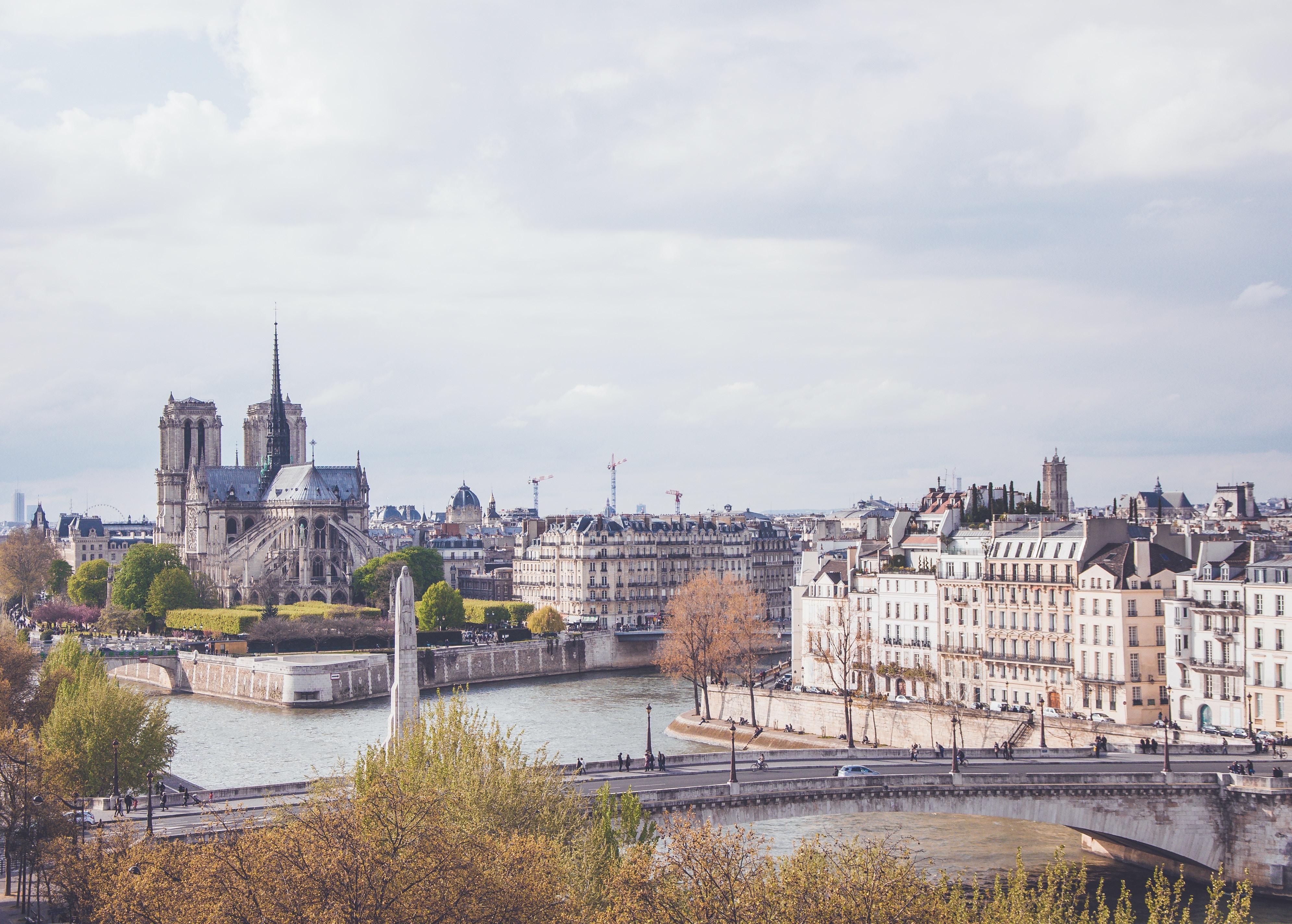 PATRIMOINE: Notre-Dame de Paris – Quand Religion Recontre Laïcité