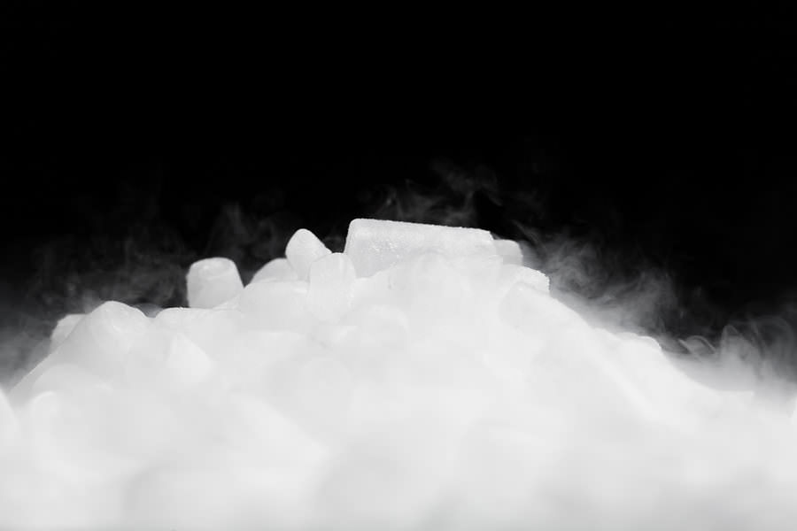 5 Was to stay safe and properly handle Dry Ice in Los Angeles with Crystal Ice