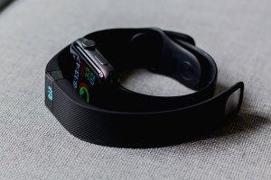FitBit & Apple Watch