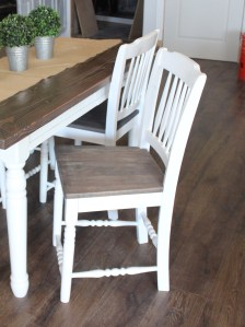 White kitchen chairs with wooden seat