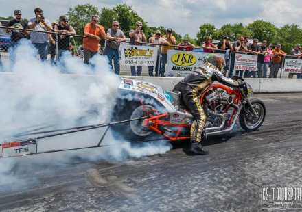 Harley drags return to Cecil County Dragway