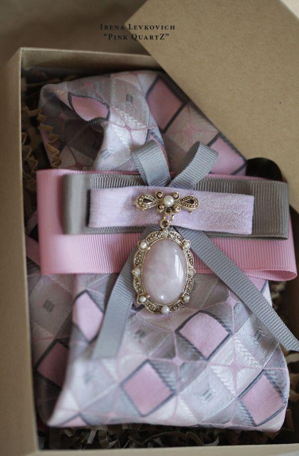 Женский галстук блистрон ручной работы из шелка