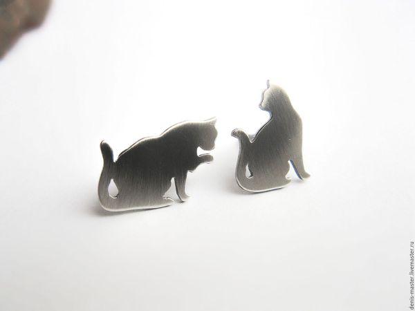 """Серьги-гвоздики из серебра """"два кота"""" – заказать на ..."""
