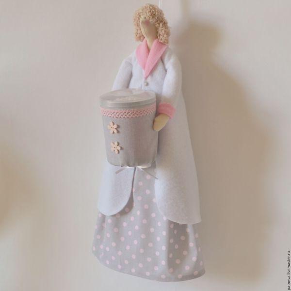 Кукла Тильда хранительница ватных палочек и дисков