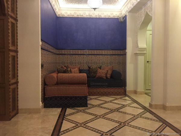 Диваны: Диван из подушек-модулей в восточном стиле ...