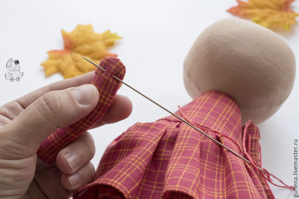 Textilpuppe von der Krone zu den Fersen, Foto Nummer 31