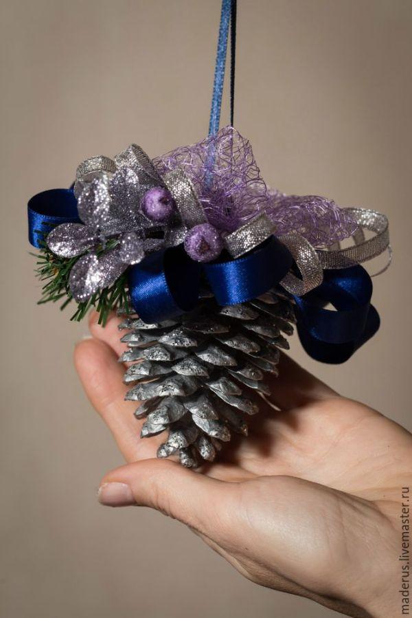 Новогоднее украшение «Шишка в серебре» | Журнал Ярмарки ...