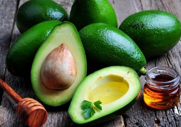 Масло авокадо для лица: польза, эффективность и способы ...