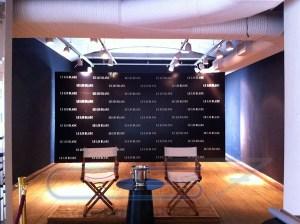 Painel Backdrop para Coletiva - Loja Lelis Blanc