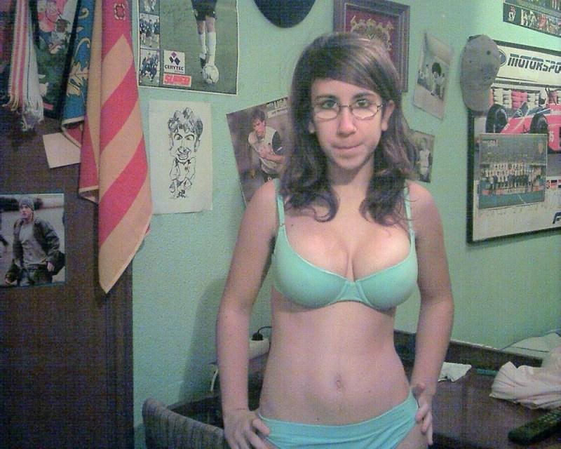 Resultado de imagen para mujeres con cuerpo bonito y cara fea