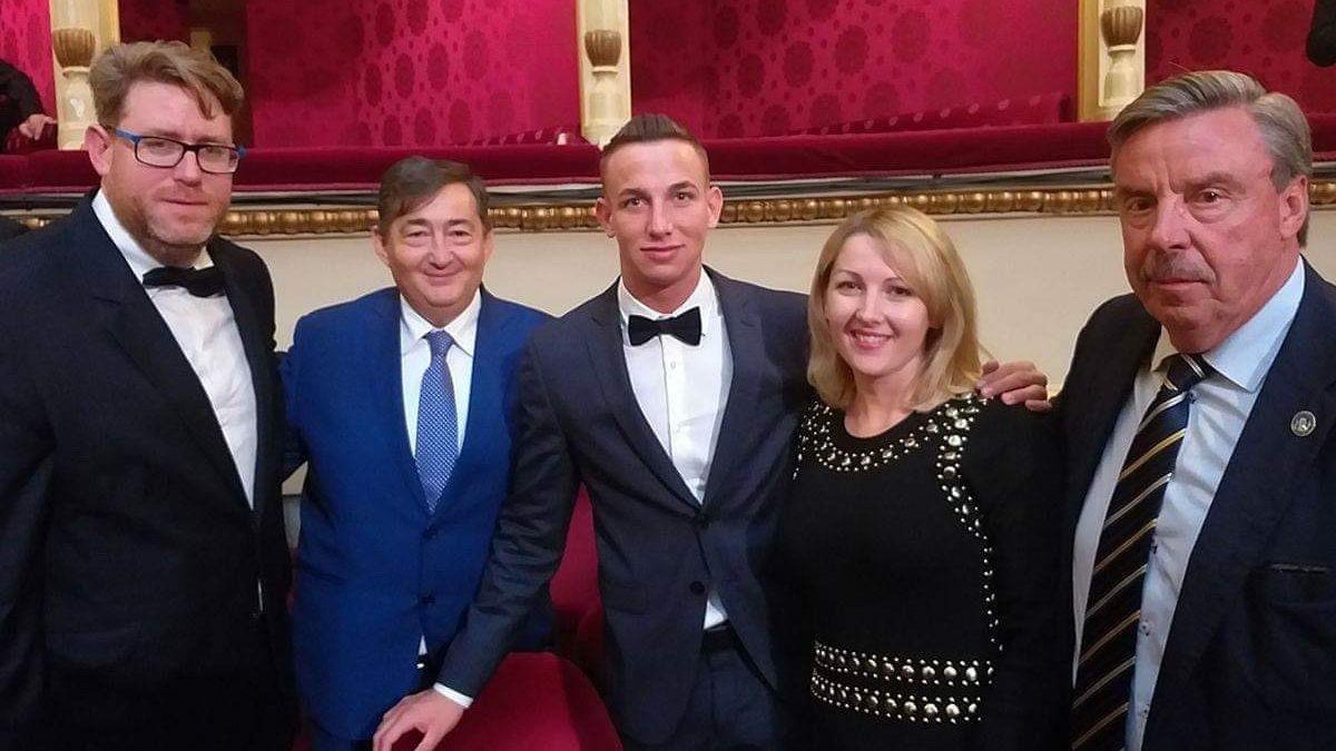 Feltétlenül és mindenképp tapsoljuk meg mi is a legújabb magyar sportdiplomáciai sikert
