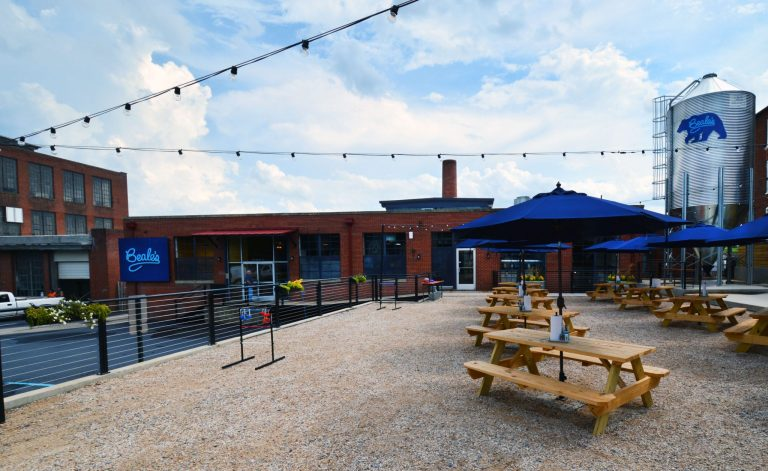 Beale's outdoor seating area