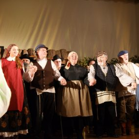 fiddler-on-the-roof-seton-catholic-central-high-school-theatre-performing-arts15