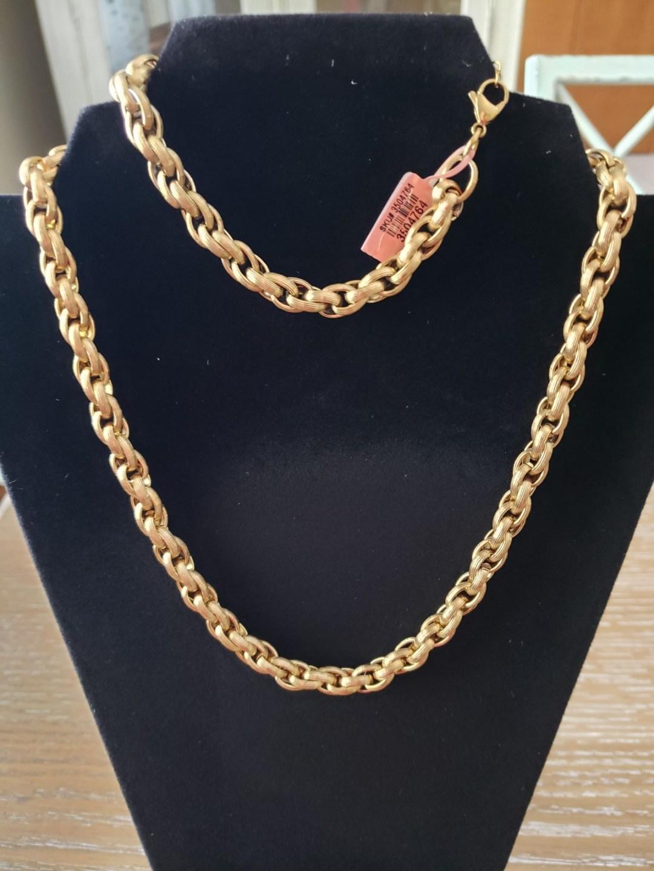 gold necklace - Basket Raffle