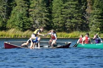 15-09-15 T-Rescue Canoe 02 leaving boat