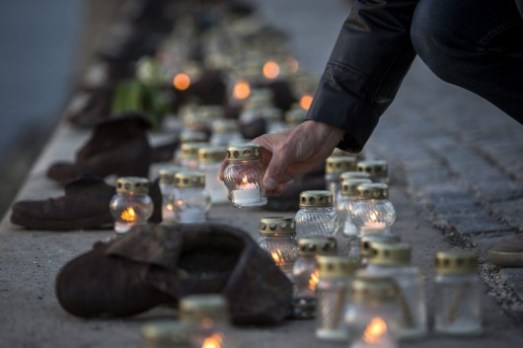 A holokauszt magyar áldozataira emlékeztek