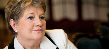 Szili Katalin is nemmel szavaz