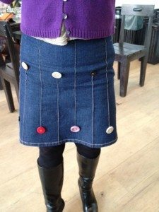 Jean skirt with buttons
