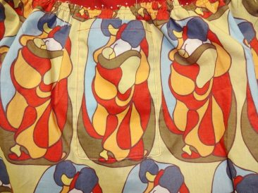 Family print fabric - Skirt with a yoke - csews.com