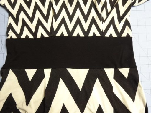 Matching chevrons in rayon knit fabric - csews.com