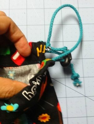 Tutorial: How to make a drawstring bag - DIY CSews.com
