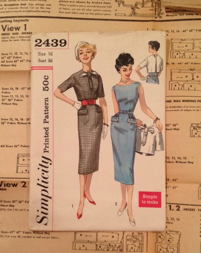 Simplicity 2439 - vintage sewing pattern - csews.com