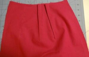 vintage Simplicity 2439 - back skirt darts - csews.com