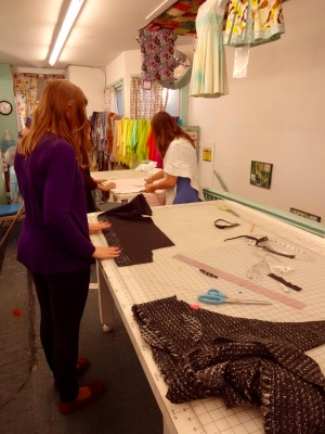 Sewing class at Stonemountain & Daughter Fabrics - photo by C Sews - csews.com