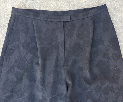 Mimosa Culottes - diagonal front pleat detail - CSews.com