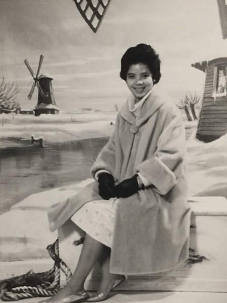 Mom in a fur coat and gloves in the 1960s - CSews.com