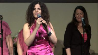 "Lainey Berstein singing ""Respect 2.0"""