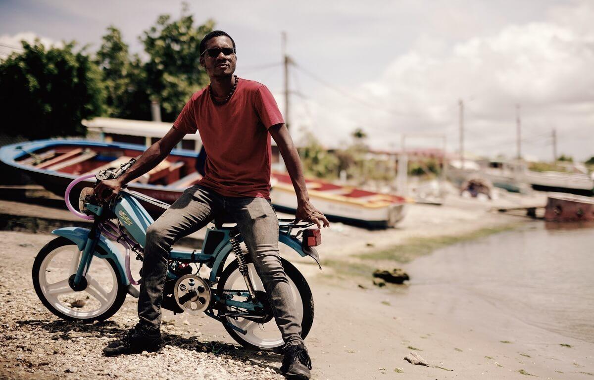 Ehteyn Gene - réparateur de mobylette 103 - Guadeloupe