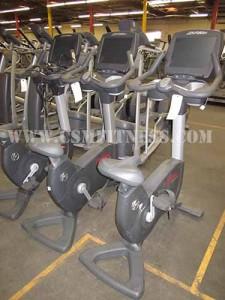 Life Fitness 95C Engage Upright Bike