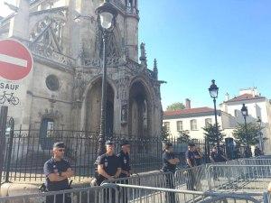 Manifestation unitaire pour la commémoration des 20 ans de la violente expulsion à coups de hache des Sans Papiers de l'église Saint-Bernard. 27/08/16 © D. M.