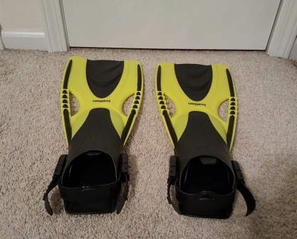 yellow swim fins 2