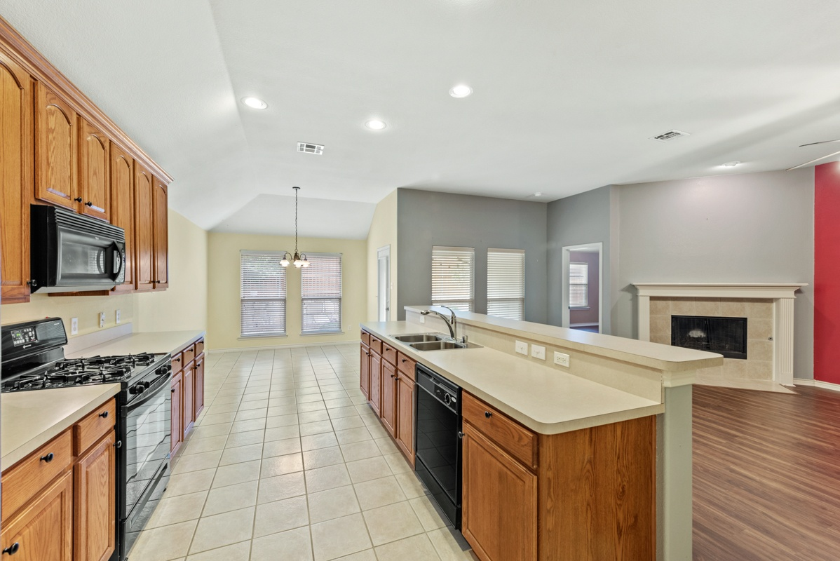 7804 Blacktail Kitchen (4)