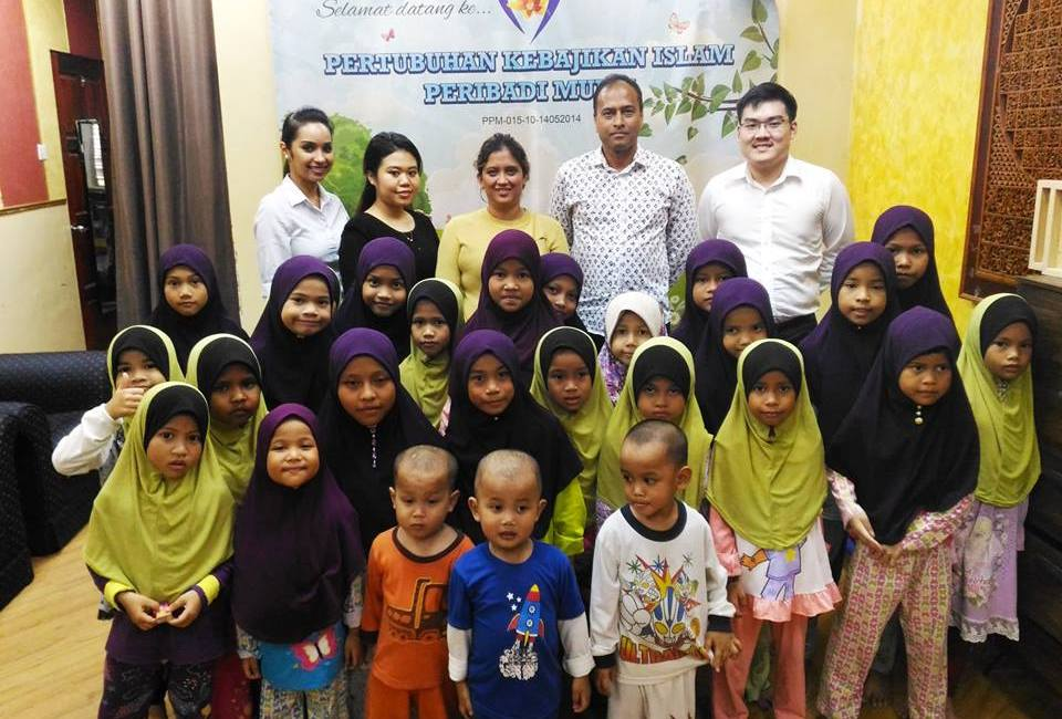 CSR Malaysia recently visited the orphanage Pertubuhan Kebajikan Islam Peribadi Mulia for the contribution of food and a cheque presentation.