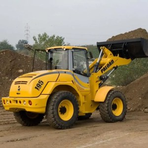 Articulated wheel loader PL 195