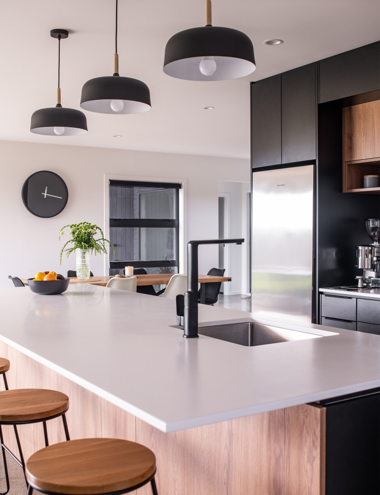 This Black And White Kitchen Was Designed For Entertaining In Style
